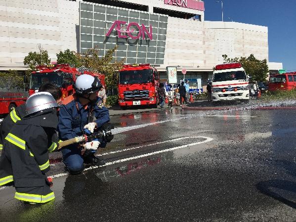 消防車放水体験1