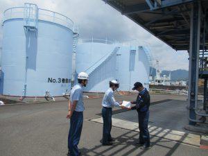 焼津港石油基地(タンクヤード)