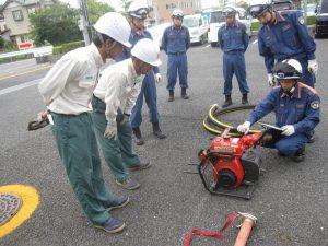 消防活動訓練 可搬ポンプの説明