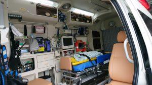 救急車車内